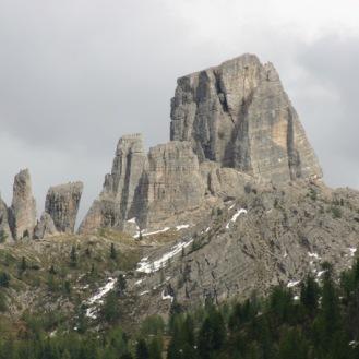 Dolomity koło passo Falzarego