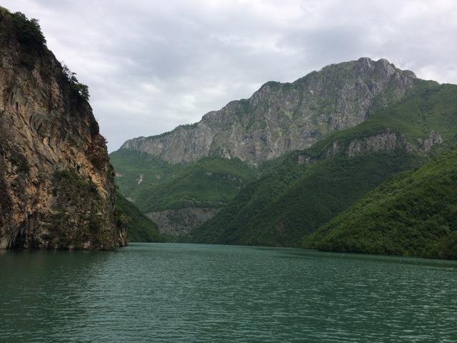 Dzikie jezioro Koman