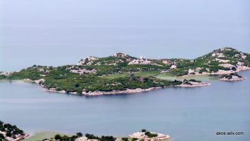 Wyspa na Jeziorze Szkoderskim