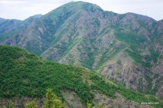 Góry niedaleko Burrel