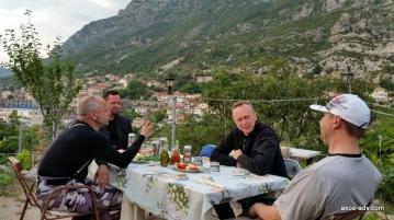 Lepszego stolika nie ma w całym Kruje i okolicy.