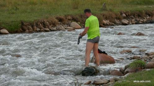 Przepierka w rzece Tuzduu-Suu