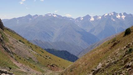 Widok na południe z przełęczy Terek