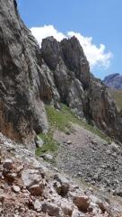 Zjazd z przełęczy obfituje w piękne widoki
