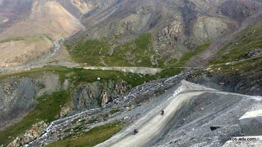 Droga na przełęcz Barskoon