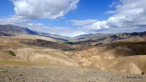 W drodze pomiędzy Kalmak i Kochkorem
